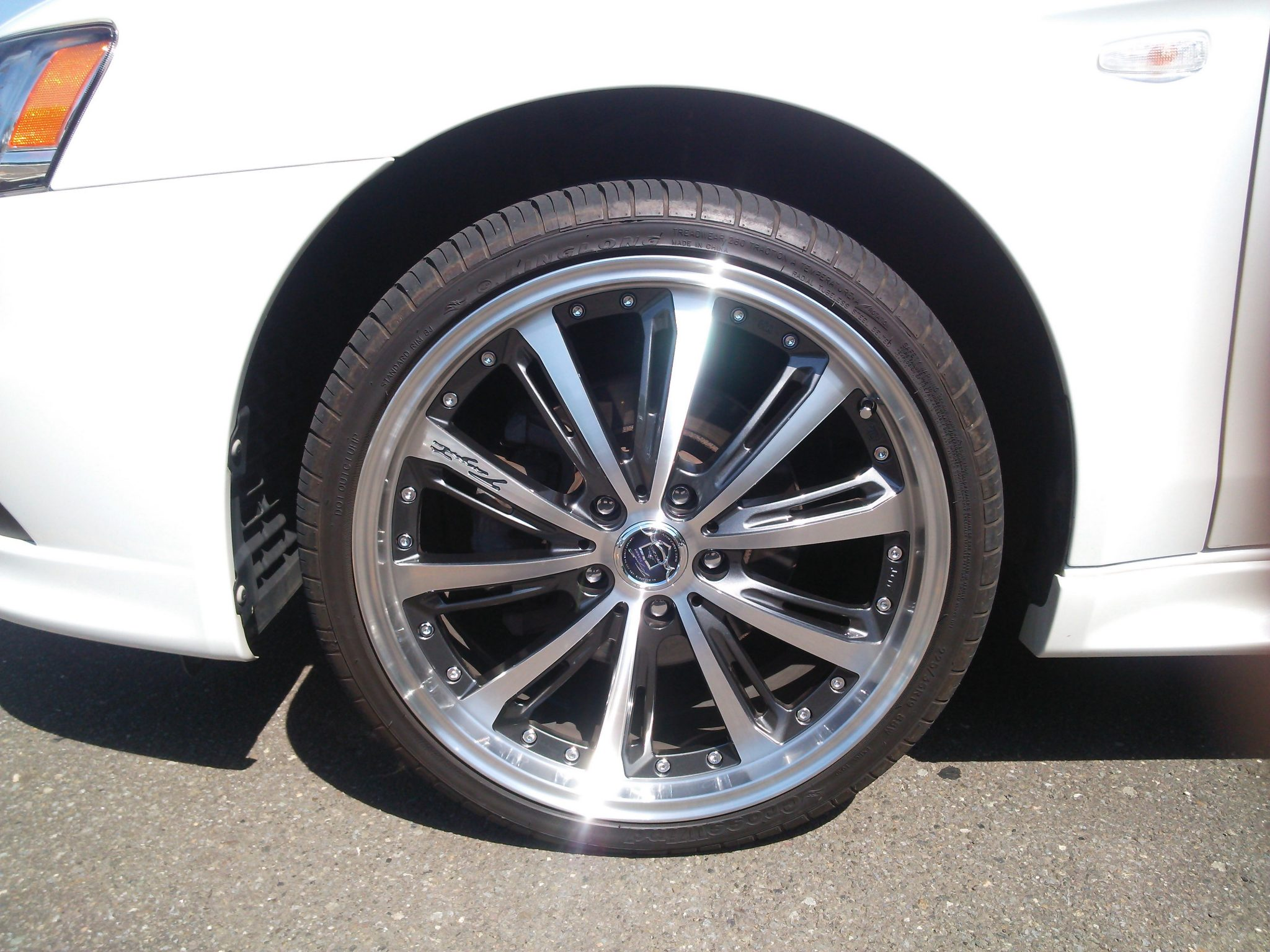 cy4a_tire_2
